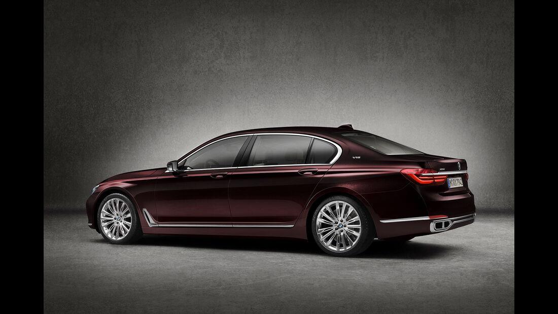 02/2016 BMW M760Li xDrive Excellence
