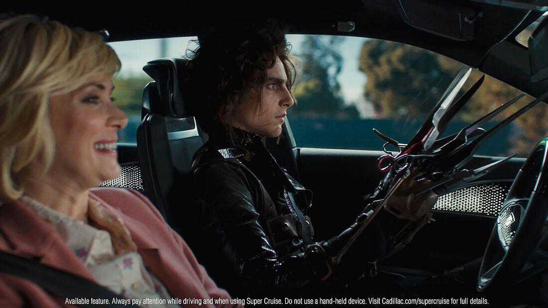 02/2021, Winona Ryder Timothée Chalamet Cadillac Lyriq Werbespot