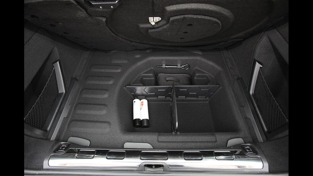 03/11 Citroen C5 Tourer E-HDi 110 Airdream, Staufach, Kofferraum