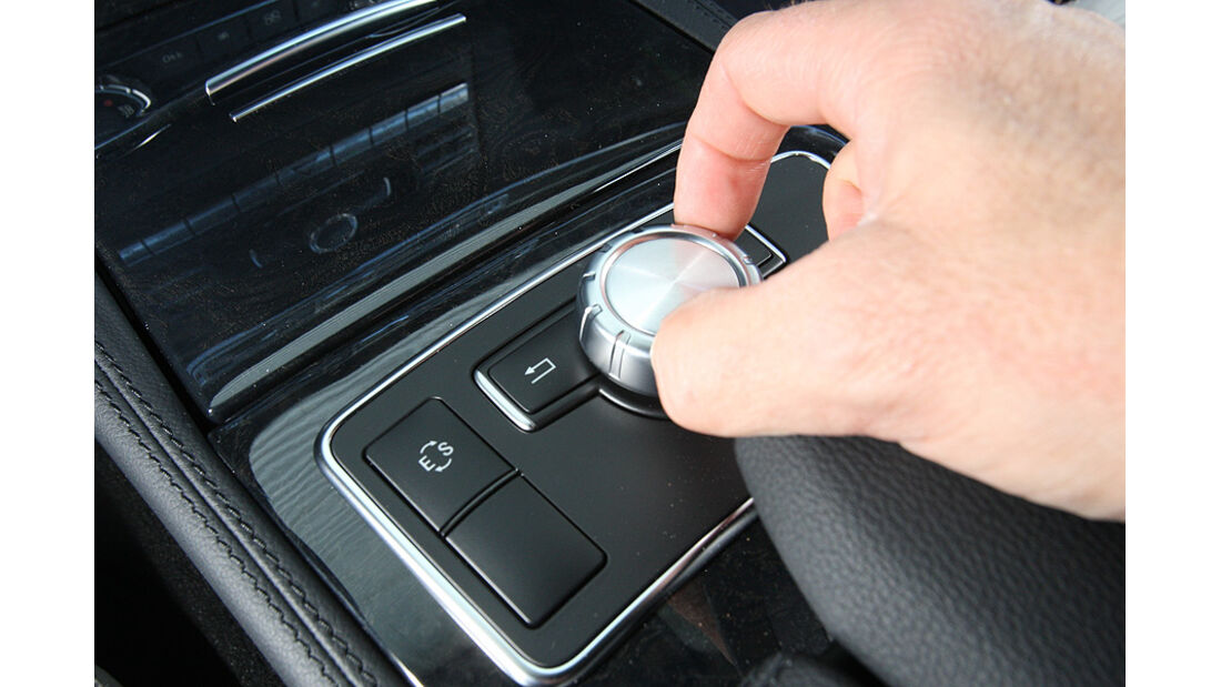 03/11 aumospo 07/2011 Mercedes CLS 350, Navigationssystem
