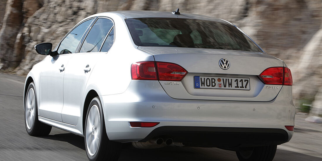 03/11 aumospo05/2011 VW Jetta