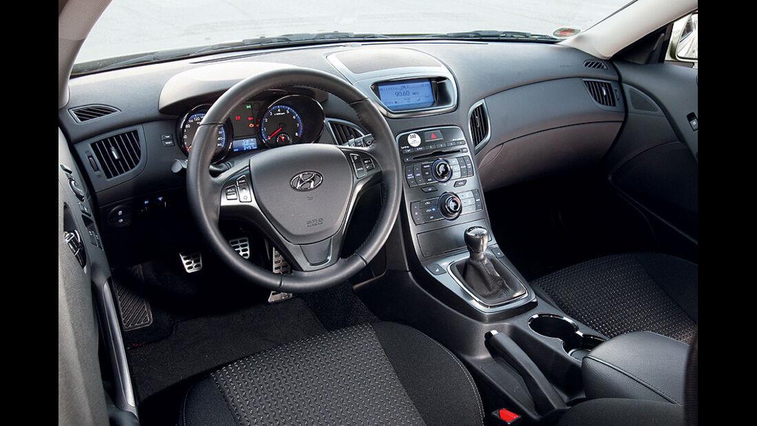 03/11 aumospo06/2011 Hyundai Genesis Coupé 2.0T, Innenraum