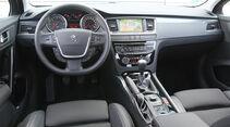 03/11 aumospo06/2011 Peugeot 508 140 Hdi, Innenraum