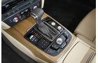 03/2011  Audi A6 3.0 TDI, aumospo 06/2011, Allrad, Mittelkonsole, Schaltung