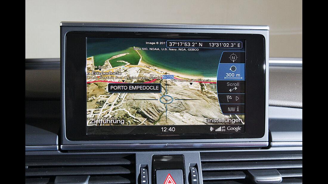 03/2011  Audi A6 3.0 TDI, aumospo 06/2011, Allrad, Navigationsbildschirm