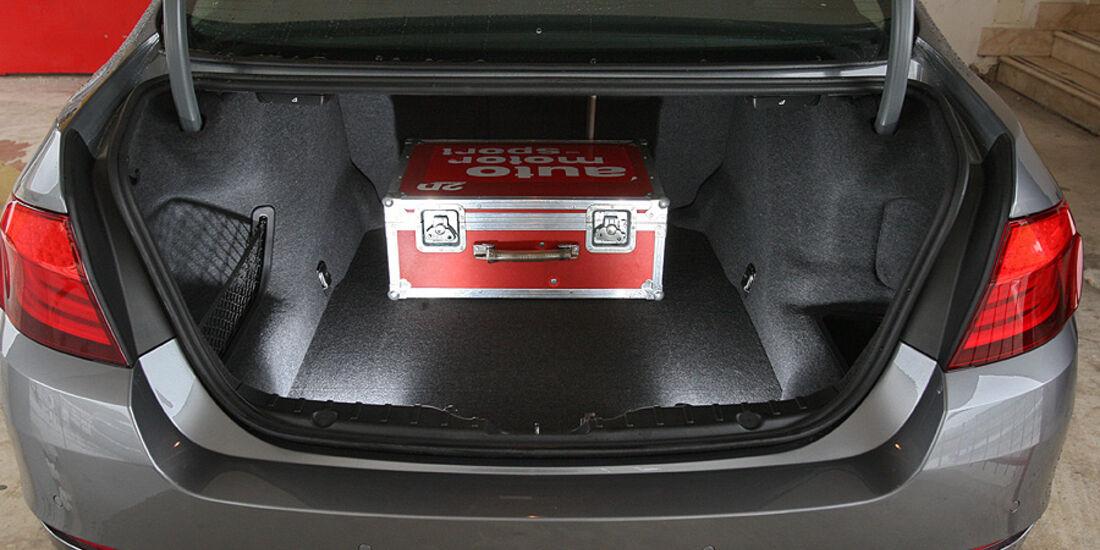 03/2011 BMW 530d, aumospo 06/2011, Allrad, Kofferraum