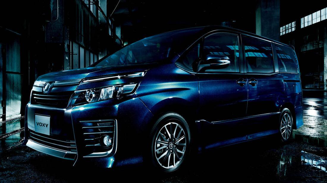 03/2014, Toyota Voxy Japan