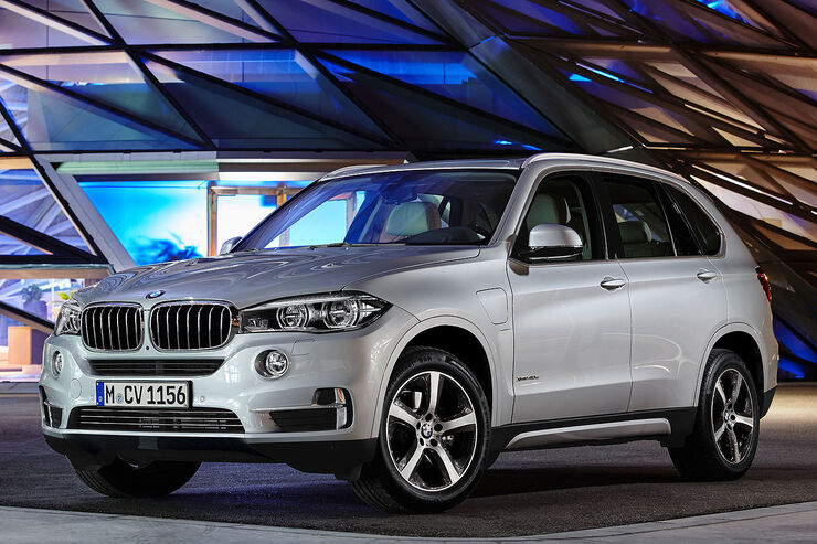 bmw x5 xdrive40e mit dem strom auf 3 3 liter verbrauch. Black Bedroom Furniture Sets. Home Design Ideas