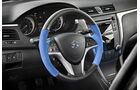 04/11 Suzuki Kizashi Apex Concept New York Auto Show, Lenkrad