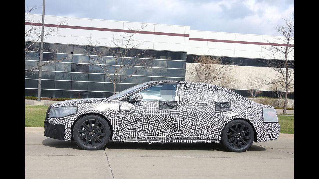 04/2015 Erlkönig Lincoln Continental