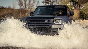 04/2021, Heritage Customs Valiance auf Basis Land Rover Defender