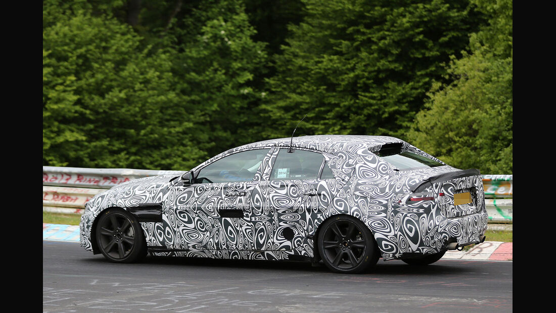 05/2014 Jaguar XE Erlkönig