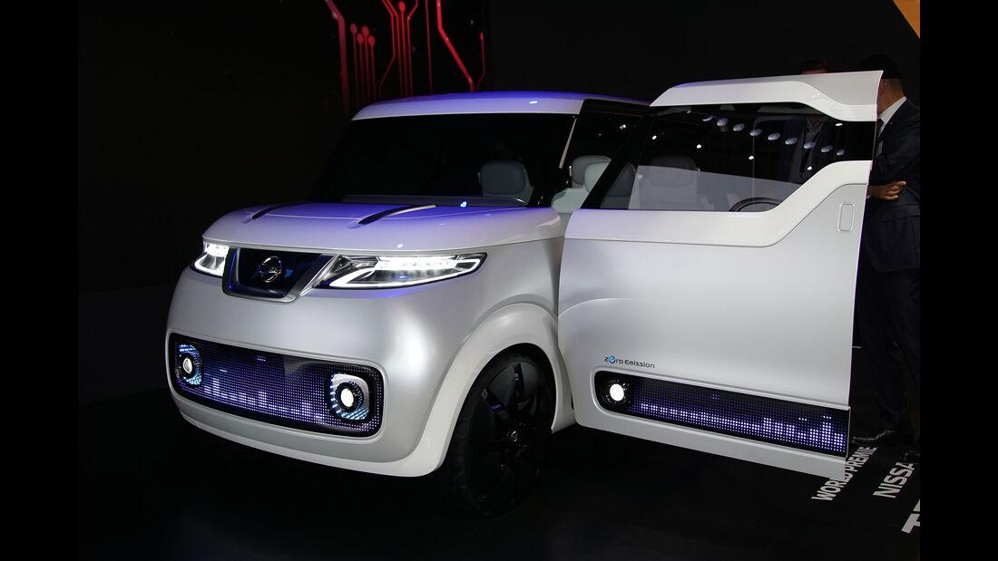 05/2015, Tokio Motor Show 2015 Nissan Theatro for Dayz