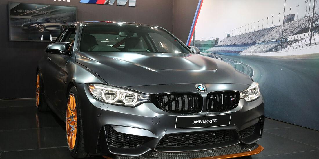 05/2015, Tokio Motor Show 2015 Thomas Sitzprobe BMW M4 GTS