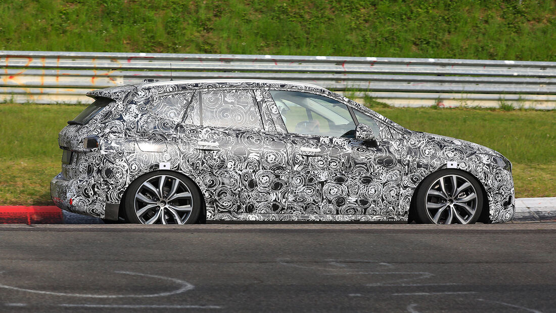 BMW 2er Active Tourer Erlkönig: Van-Neuauflage kommt 2021 ...
