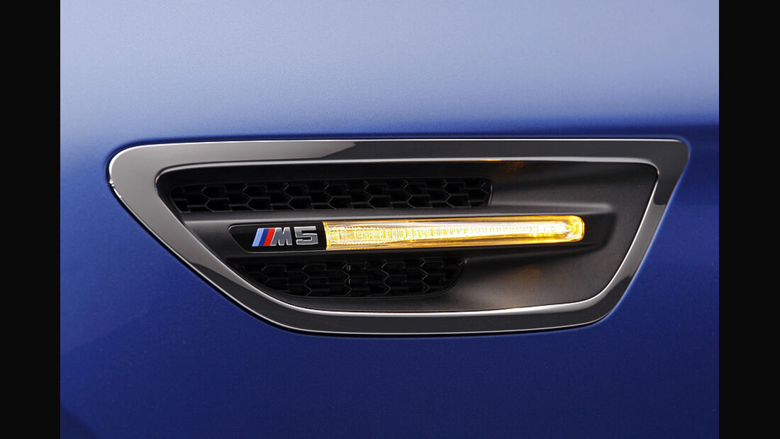 06/11 BMW M5 Limousine, Kiemen