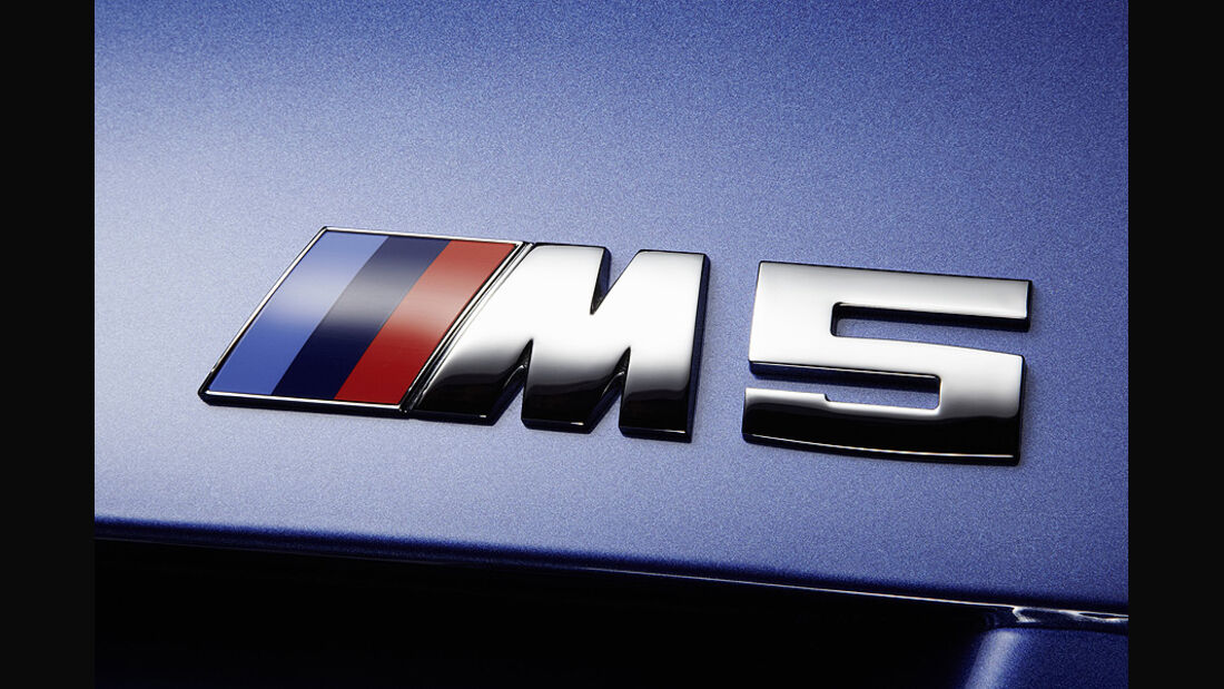 06/11 BMW M5 Limousine, M5 Schriftzug