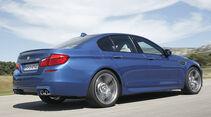 06/11 BMW M5 Limousine