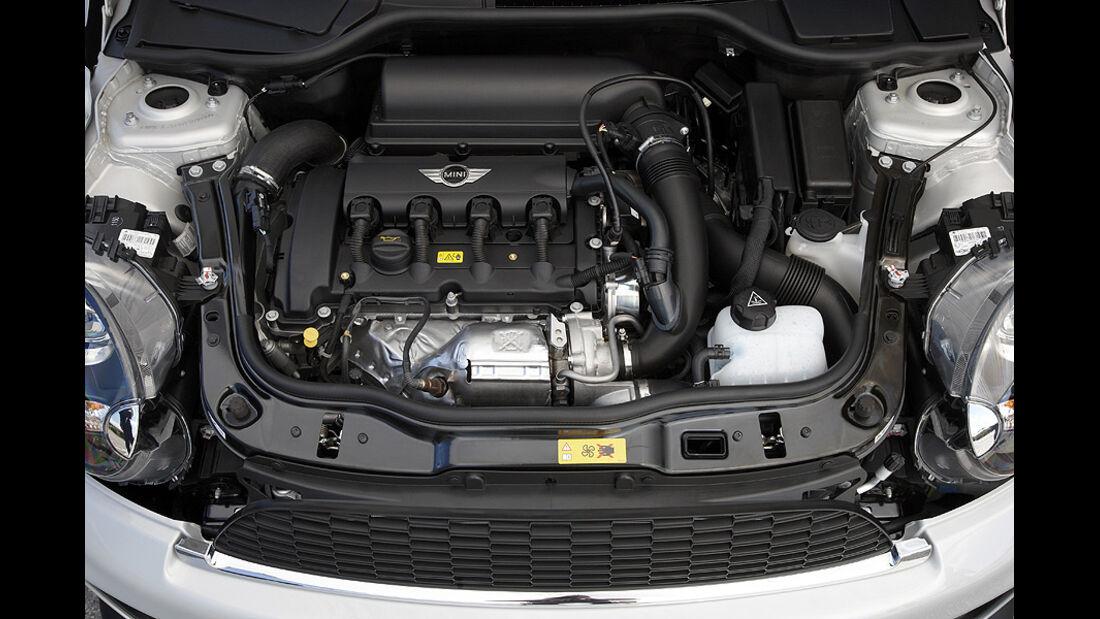 06/11 Mini Coupe, Motor