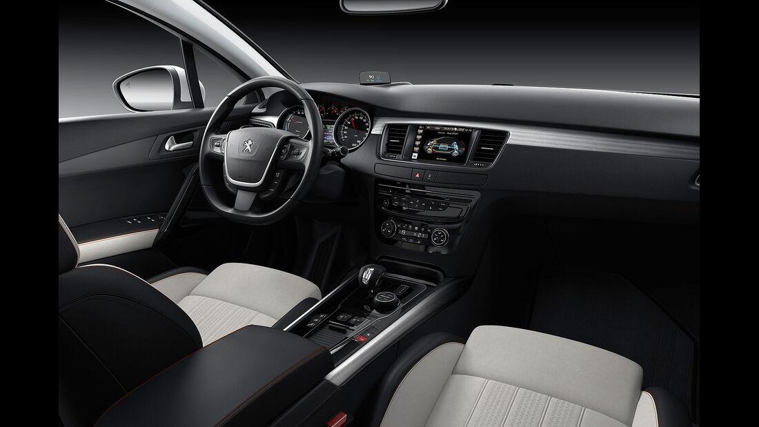 06/2014, Peugeot 508 RXH  Facelift Innenraum