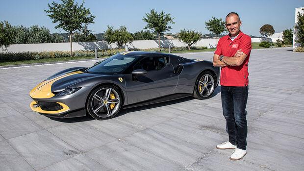 06/2021, Ferrari 296 GTB Assetto Fiorano mit auto motor und sport-Redakteur Jörn Thomas