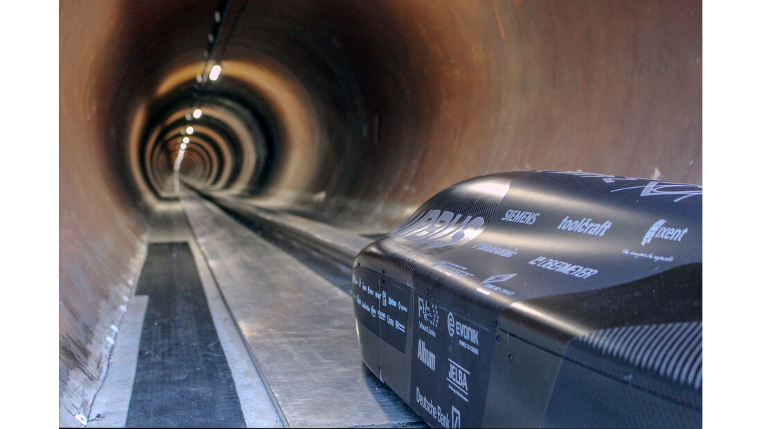 07/2018, WARR Hyperloop Team