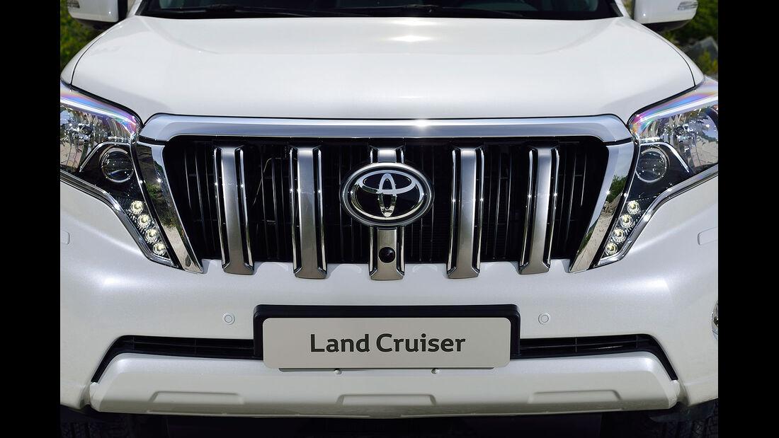 08/2013 Toyota Land Cruiser Facelift
