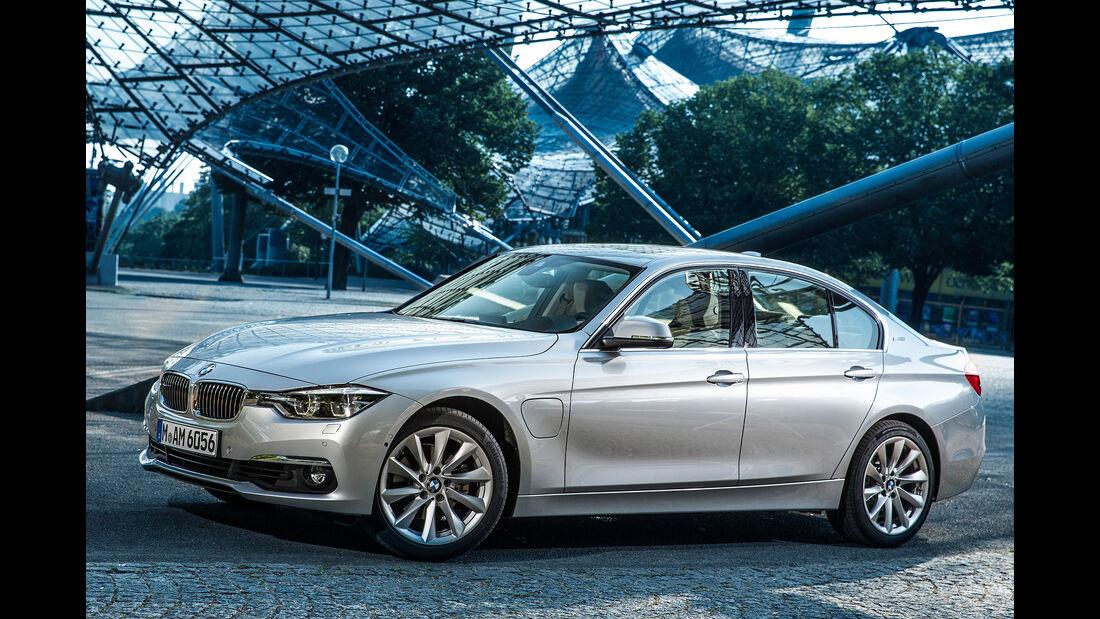 08/2015, BMW 330e Sperrfrist