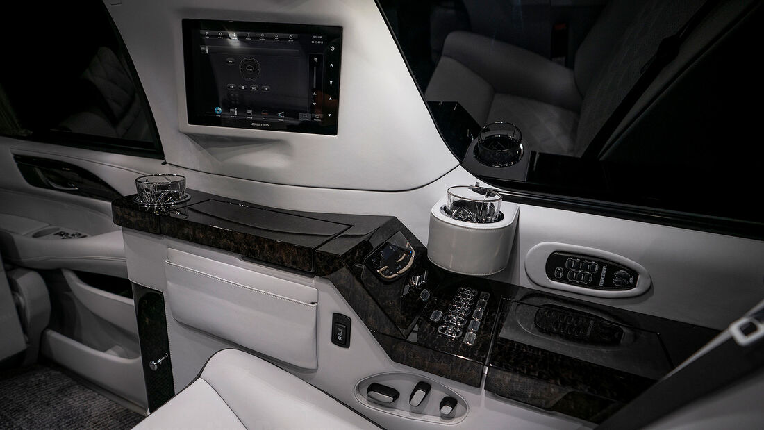 08/2020, Cadillac Escalade ESV Stretch Sylvester Stallone