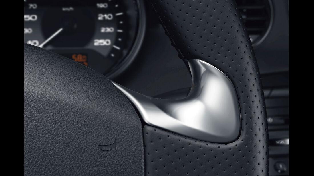 09/2012, Peugeot RCZ Facelift, Lenkrad, Daumengriffmulden