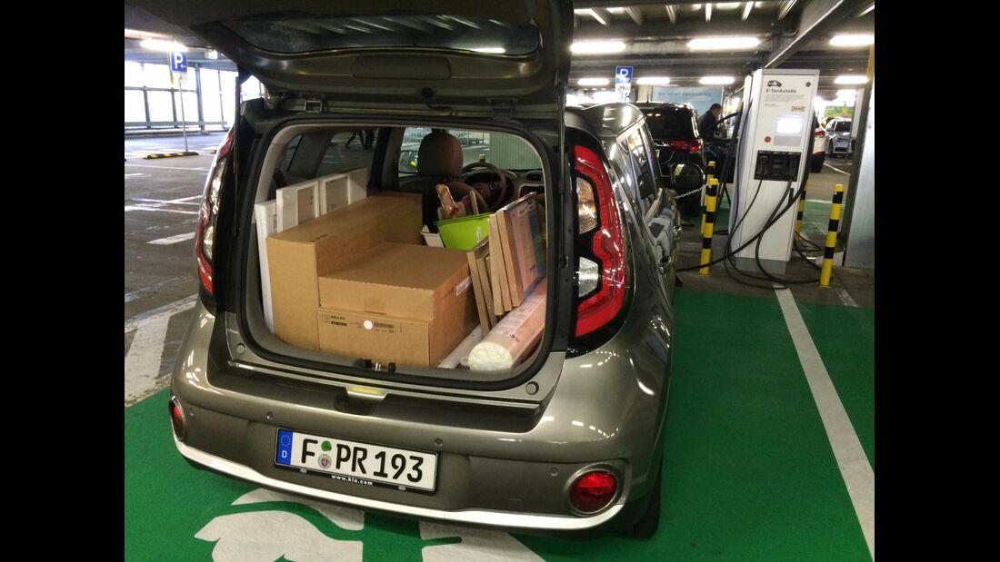 09/2018, Kia Soul EV Ladesäule IKEA