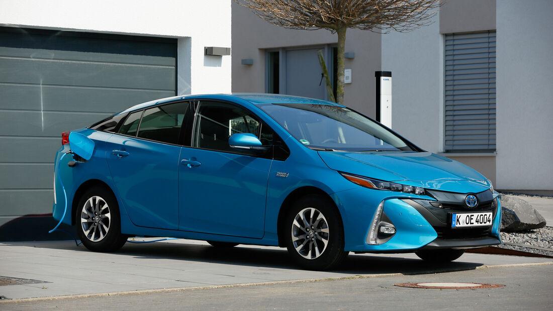 09/2019, Toyota Prius PHEV