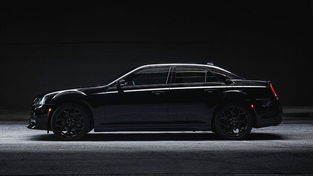09/2021, 2022 Chrysler 300S