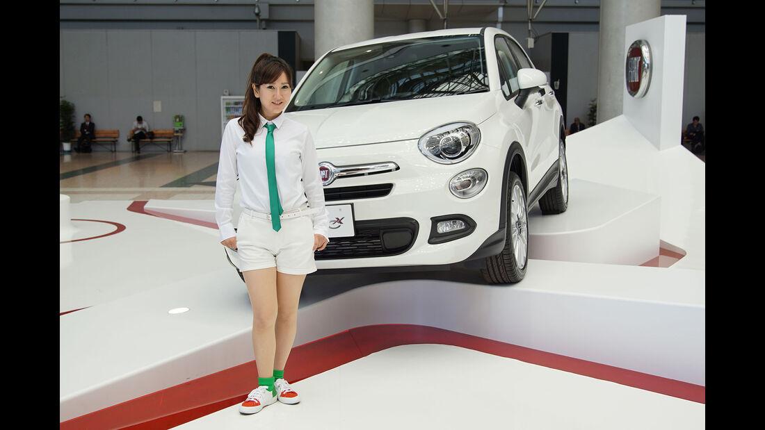 10/2015 Tokio Motor Show 2015 Fiat Girls