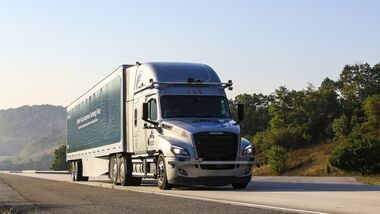 10/2020, Daimler Freightliner Cascadia