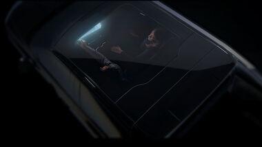 10/2021, Chevrolet Silverado EV Teaserbild Panorama-Glasdach