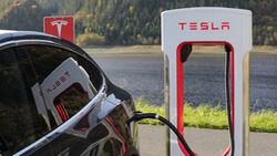 10/2021, Tesla Supercharger