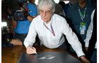 11/2013 Bernie Ecclestone F1-Buch.