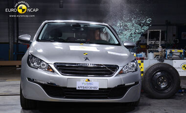 11/2013, EuroNCAP-Crashtest, Peugeot 308