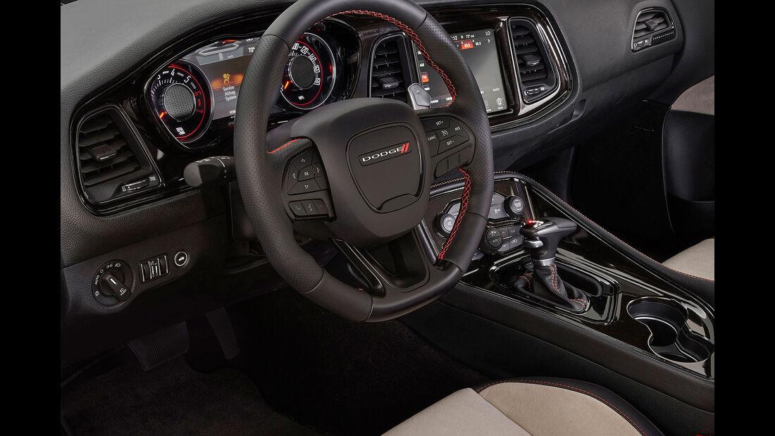 11/2015 Mopar auf der Sema Dodge Challenger GT AWD Concept