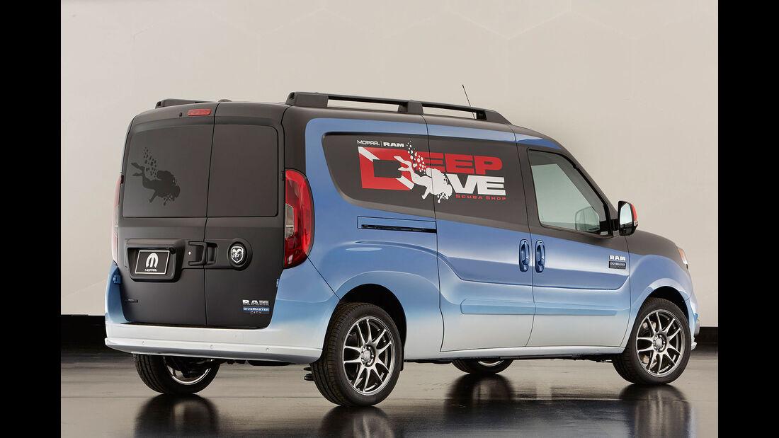 11/2015 Mopar auf der Sema Dodge ProMaster City DiveMaster