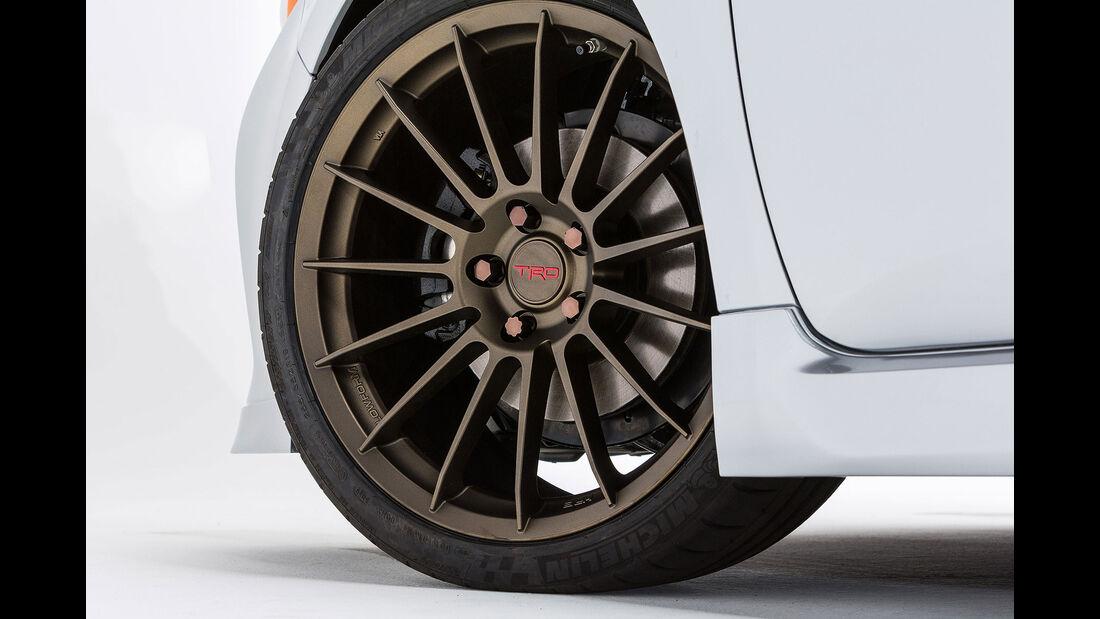 11/2015 Toyota auf der Sema 2015 Toyota TRD Avalon