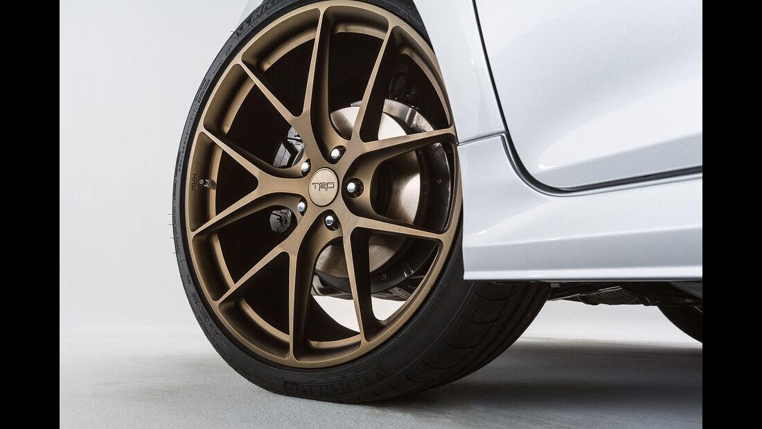 11/2015 Toyota auf der Sema 2015 Toyota TRD Camry