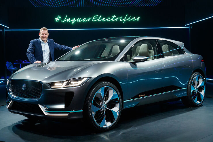 neuer jaguar i pace elektro suv f r schafft 500 km auto motor und sport. Black Bedroom Furniture Sets. Home Design Ideas