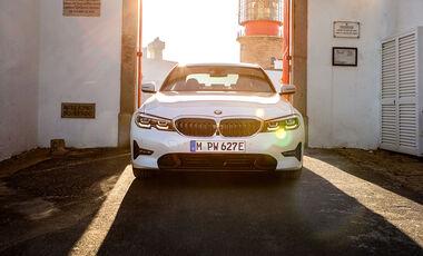 11/2018, BMW 330e G20