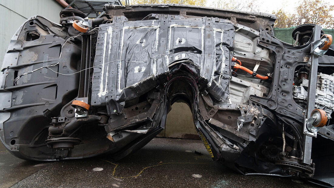 11/2019, Dekra Elektroauto-Crashtest Nissan Leaf