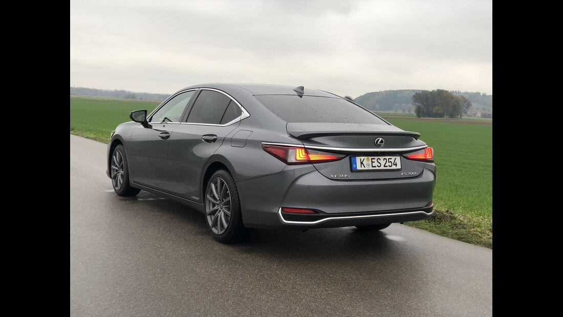 11/2019, Lexus ES300h