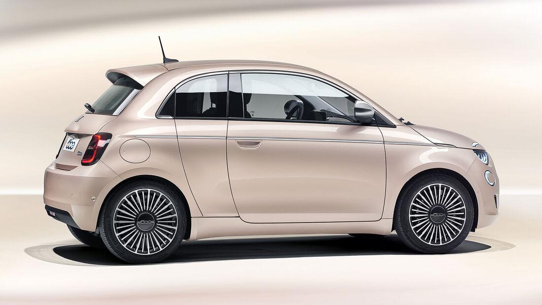 11/2020, Fiat 500e mit Mopar-Zubehör
