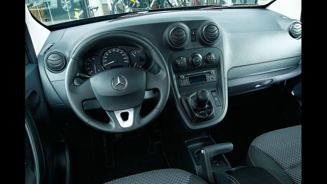 12/2012 ams27/2012, Vergleichstest Mercedes Citan 109 CDI Innenraum