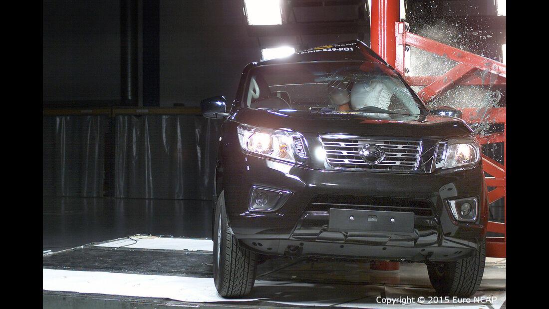 12/2015 EuroNCAP Crashtest Nissan Navara